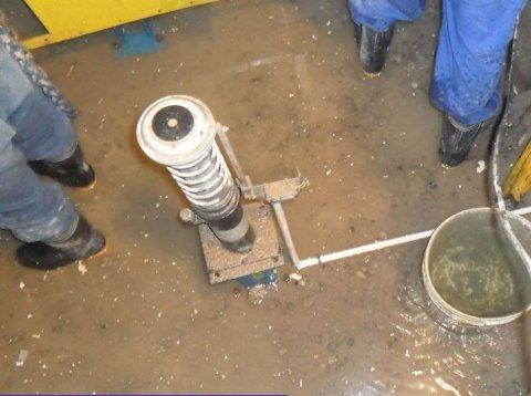 电梯井渗漏水堵漏,电梯井道漏水怎么办
