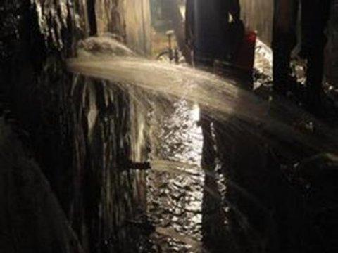 河南某幸福港湾地下停车场及地下室防水堵漏施