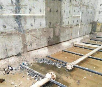 混凝土水池堵漏(钢筋混凝土水池漏水修补方法)