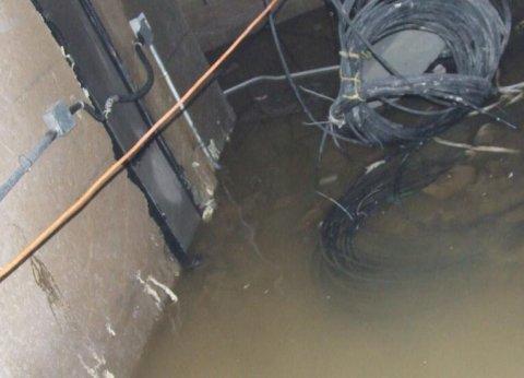 电梯井堵漏(电梯井漏水维修方法、报价)